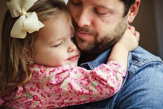 رابطه پدرودختری؛ کاری کنید که بداند دوستش دارید