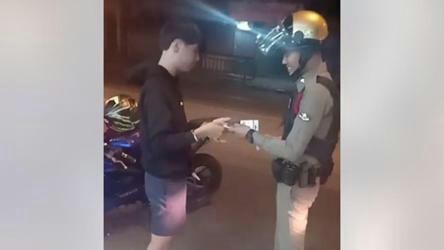 صحنه زیبایی که پلیس در خیابان خلق کرد!