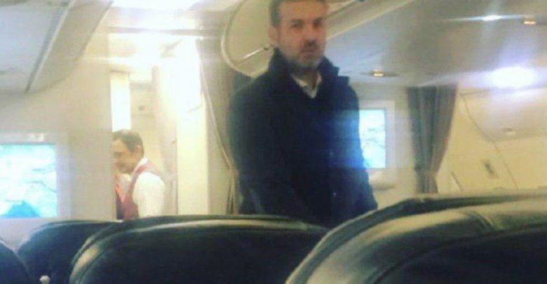 تصویری از استراماچونی در هواپیما هنگام ترک ایران
