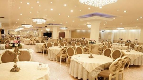 امکان فعالیت مجدد تالارهای پذیرایی مشهد در فضای سربسته فراهم شد